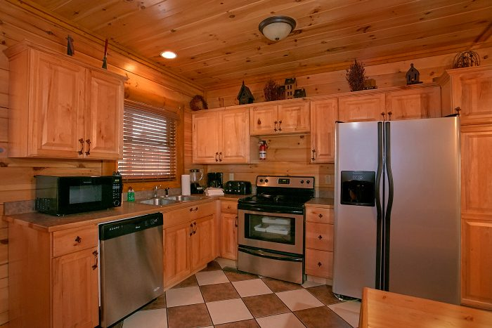 Updated Kitchen 8 Bedroom Cabin Sleeps 24 - Grand Theater Lodge