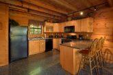 5 Bedroom Cabin Sleeps 16 with Spacious Kitchen