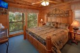 5 Bedroom Cabin with Master King Bedroom