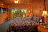 5 Bedroom Cabin Sleeps 16 with King Beds