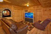 Gatlinburg 5 Bedroom Cabin with Family Room