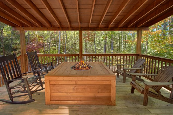 Private 5 Bedroom Cabin with Fire Pit - Natures Majesty