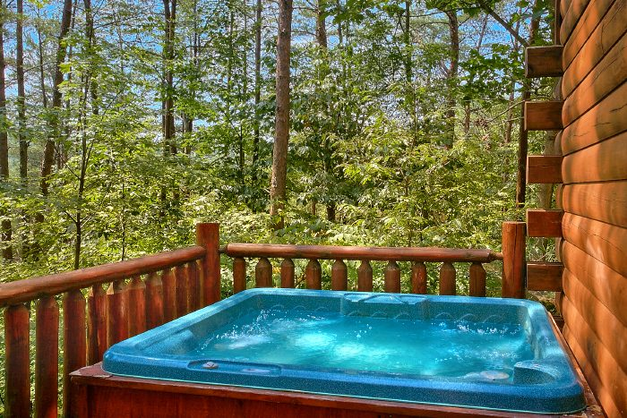 Private Cabin with Luxurious Hot Tub and Deck - Nice N Knotty