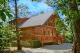 Spacious, Secluded 2 bedroom Cabin with Parking