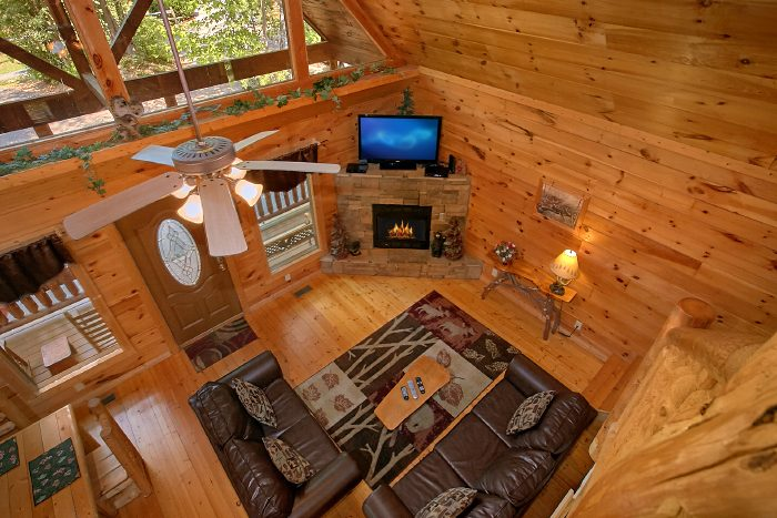 2 Story, 2 Bedroom Cabin with Fireplace - Nice N Knotty