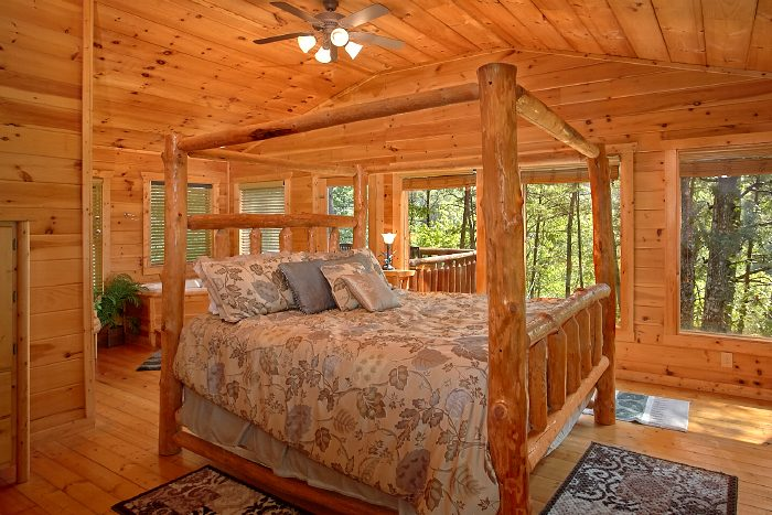 Premium Cabin with Luxurious King Bed - Nice N Knotty