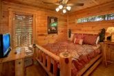 Premium 2 Bedroom Cabin with Queen Bedroom