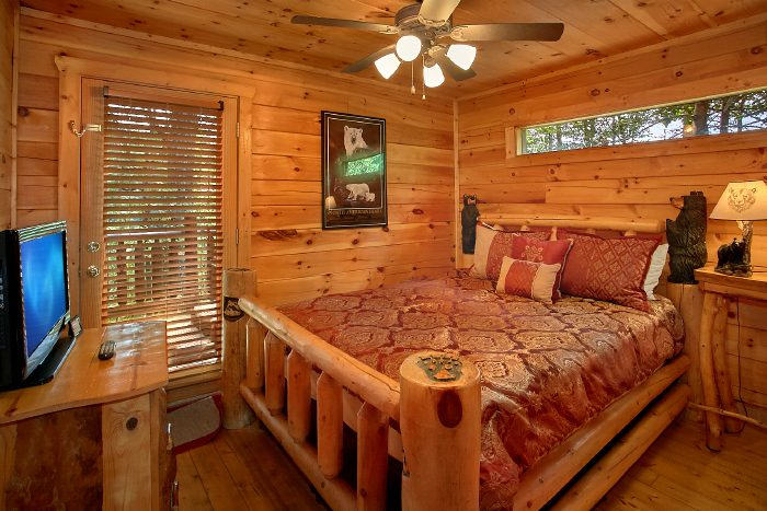 Premium 2 Bedroom Cabin with Queen Bedroom - Nice N Knotty