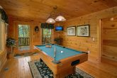 Luxury 2 Bedroom Cabin with Pool Table