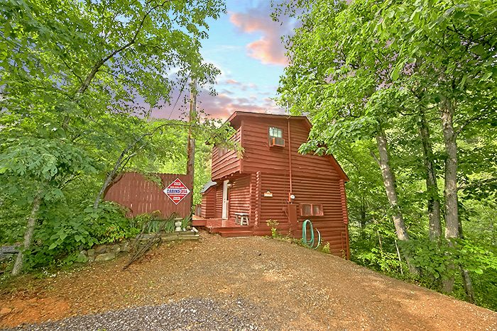 Nikhia's Loft Cabin Rental Photo