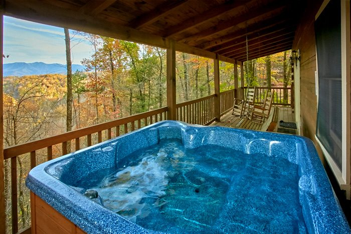 Gatlinburg vacation rental smoky mountains oakland 4 for Cabin in gatlinburg with hot tub