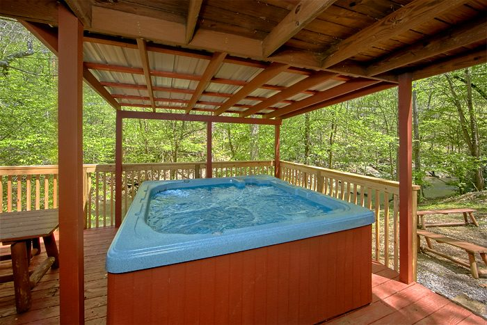 7 Bedroom Smoky Mountain Cabin Near Stream Sleeps 17