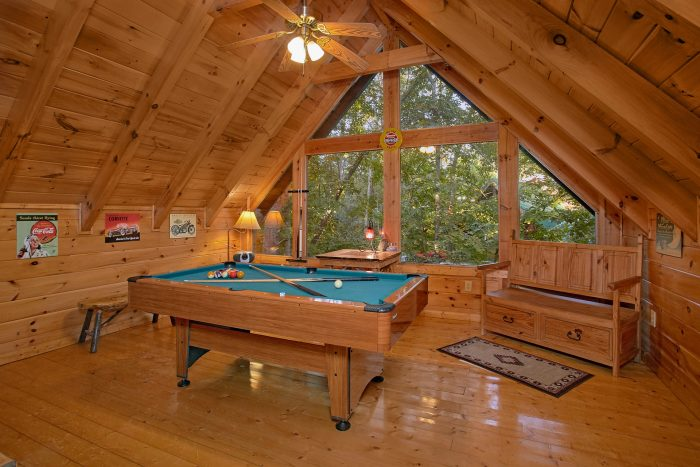 1 Bedroom Cabin with a Pool Table - Our Happy Place