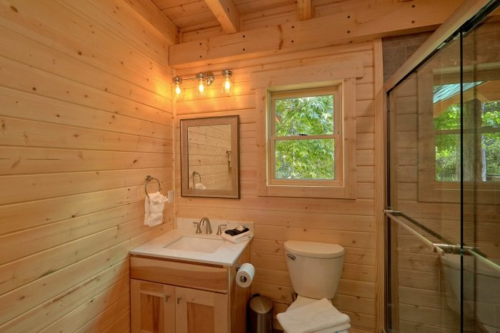 1Bedroom cabin rental with Private bathroom - Out On A Limb