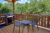 1 Bedroom cabin with Hot Tub and Gas Grill