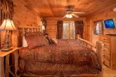 Honeymoon Cabin with King Bed and Private Bath