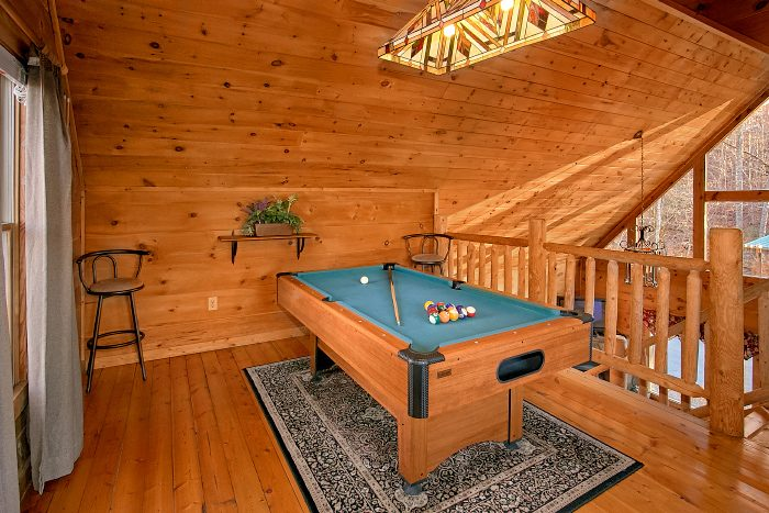 1 Bedroom Cabin with Pool Table and Loft - Owl's Landing