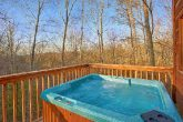 1 Bedroom Cabin with Hot Tub and Wooded Views