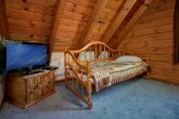 Rustic Cabin with a Queen bedroom and Day Bed
