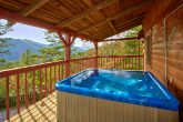 Rustic Cabin with Private Location and Hot Tub