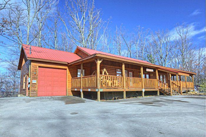 One level cabin gatlinburg tn one story cabin gatlinburg for Tennessee cabins rental
