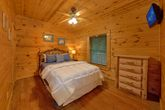 Queeb Bedroom in Cabin