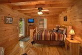 Honeymoon Cabin with Spacious King Suite