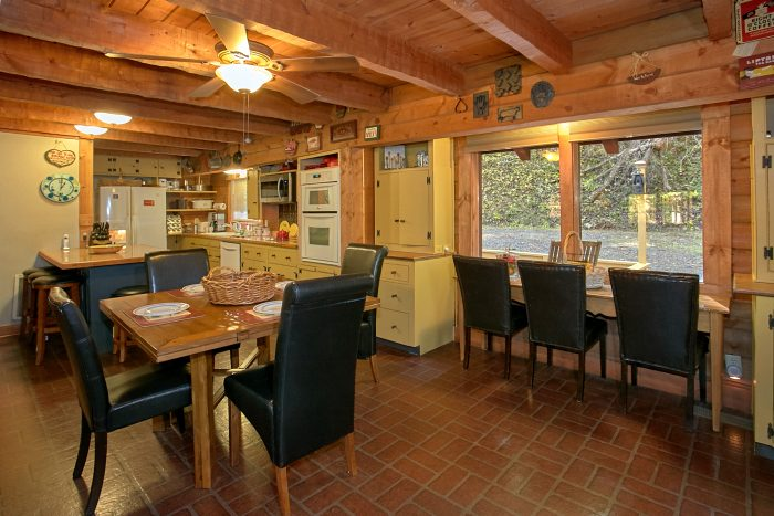 4 Bedroom Cabin with Large Dining Area - Ponderosa