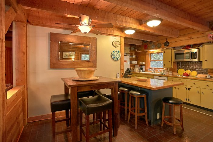 Rustic Cabin with Dining Area for 12 - Ponderosa