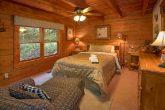 4 Bedroom Cabin with Private Queen bedroom