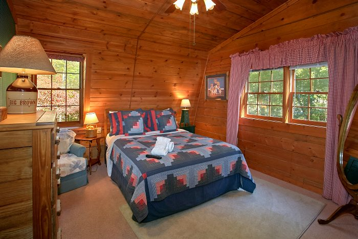 4 Bedroom Cabin with 2 King Beds and 2 Baths - Ponderosa