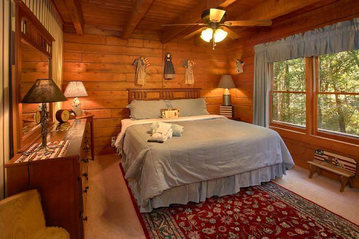 Spacious 4 Bedroom Cabin with 2 Queen Beds - Ponderosa