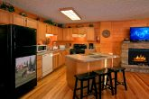 Beautiful Large Open Kitchen 6 Bedroom Cabin