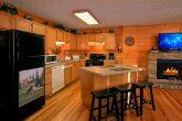 Beautiful Large Open Kitchen 6 Bedroom Cabin
