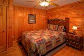 6 Bedroom Cabin Sleeps 16 in Hidden Springs