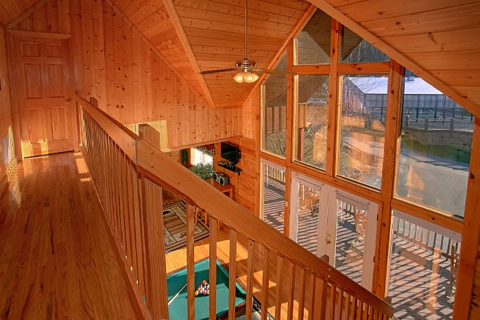 6 Bedroom Cabin Sleeps 16 Over Looking Pool - Poolside Lodge 2