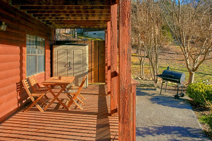 6 Bedroom Cabin Sleeps 16 with Rocking Chairs - Poolside Lodge