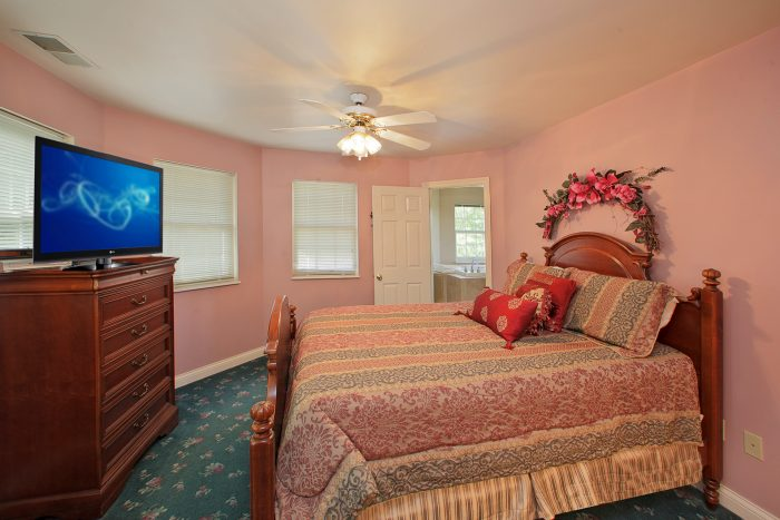 Beautiful Queen Bedroom - Queen Margaret