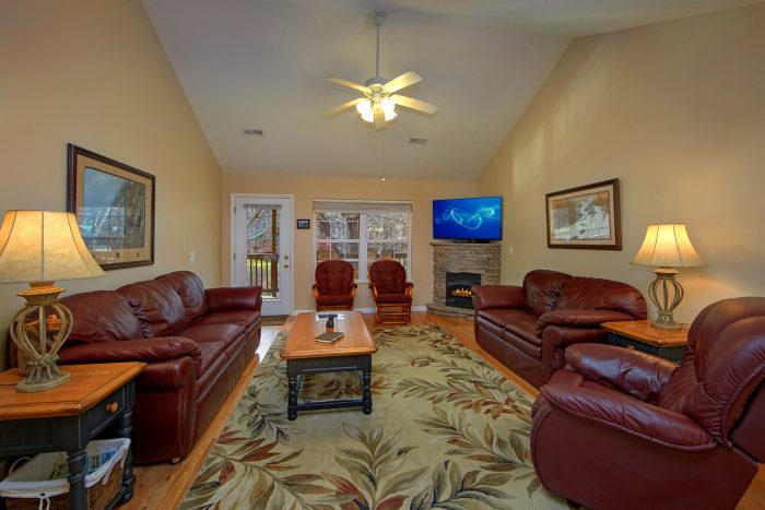 2 Bedroom Luxurious Pigeon Forge Vacation Home - Rippling Waters