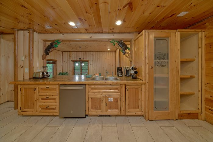6 bedroom smoky mountain private pool cabin cabins usa for 6 bedroom cabin rentals in gatlinburg tn