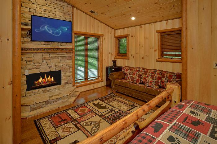6 Bedroom Cabin Sleeps 20 With 4 Master Suites - River Adventure Lodge