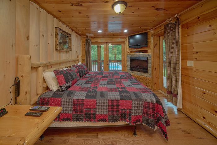 bedroom cabin sleeps 20 fireplaces in bedrooms river adventure