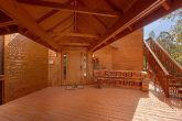 6 Bedroom Cabin Sleeps 20 with Play Ground