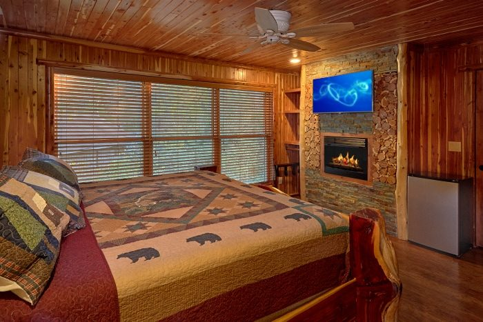 Cabin with Luxurious Double Showers in Bathrooms - River Mist Lodge