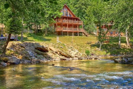 Fuzzy Bear: 2 Bedroom Wears Valley Cabin Rental