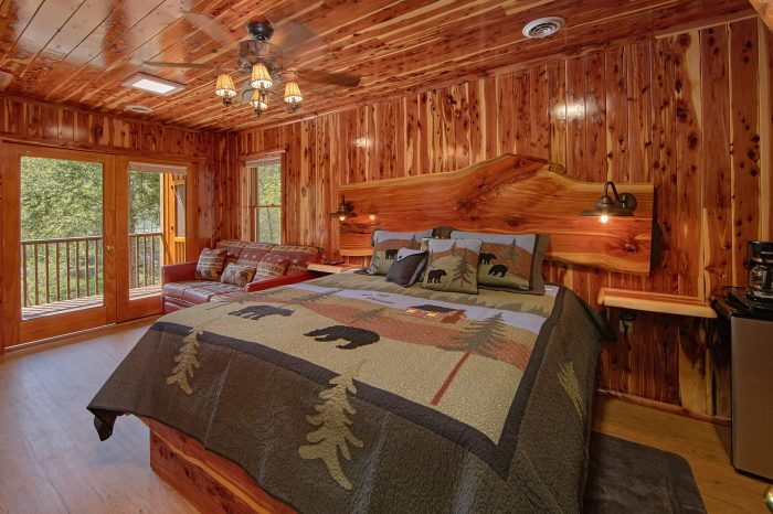 Private King Bedroom with River Views - River Pleasures