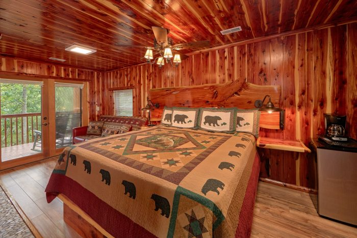 Riverside Cabin with Twin beds and private bath - River Retreat