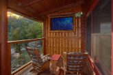 2 Bedroom Cabin with TV on Deck and Hot Tub