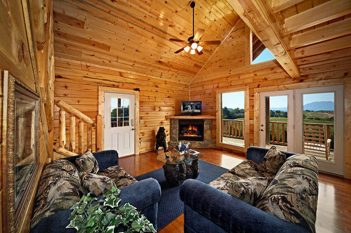 Cabin with Living Room Deck - Rocky Retreat