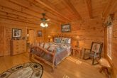 Premium 6 Bedroom Cabin with 6.5 Bathrooms